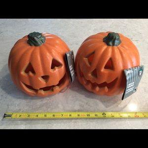 3/$30 deal: Pumpkins that light up!